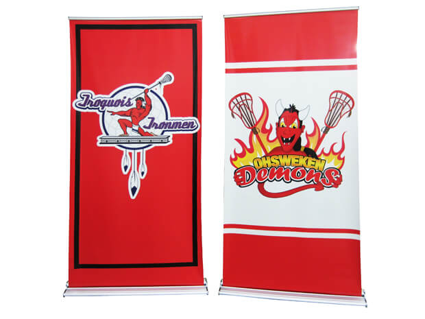 retractable banner stand with satin step logo
