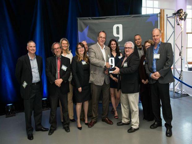PNH Solutions gagne le prix de l'innovation (Marketing – Auto Promotion) au Gala Gutenberg pour ses sacs réutilisables faits avec des matériaux résiduels