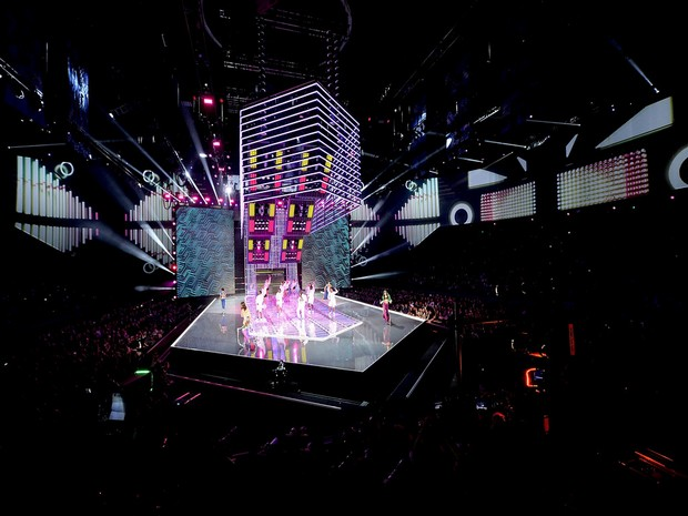 PNH Solutions Supplies the Backdrop for the 2017 Victoria's Secret Fashion Show