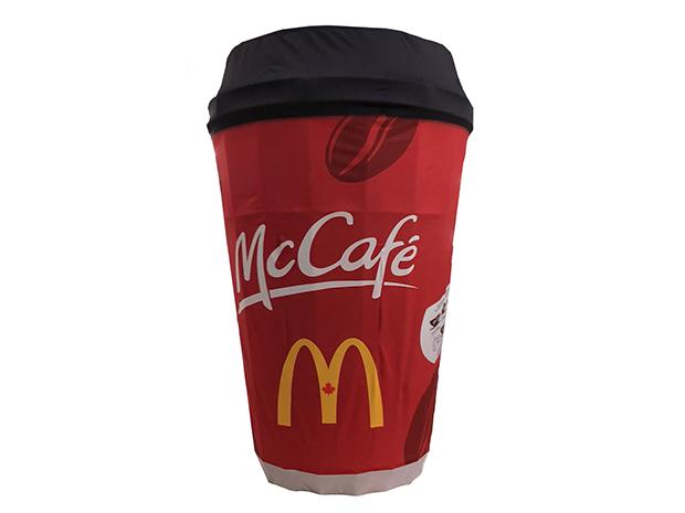 3D ObjeX, une réplique en 3D, faite sur-mesure et à l'image de votre marque. Ce 3D ObjeX a la forme et le « look » d'une tasse à café de McDonald's.
